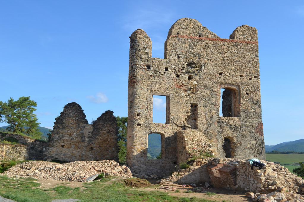 Divín hrad - Wikipedia Ladislav Luppa