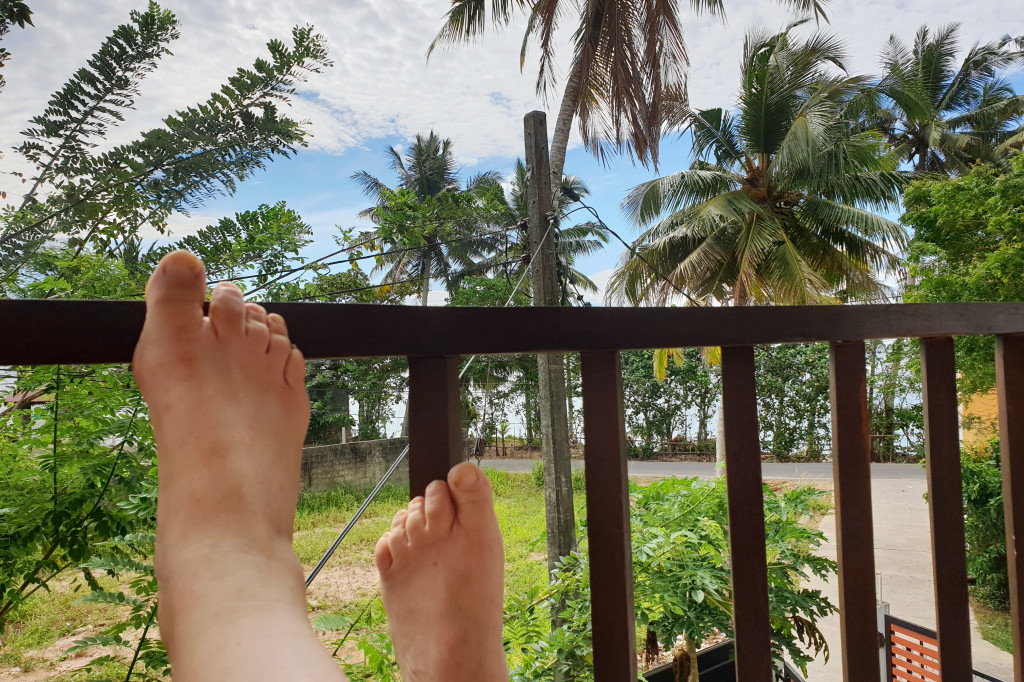 LIBER Srí Lanka Polhena - carfew