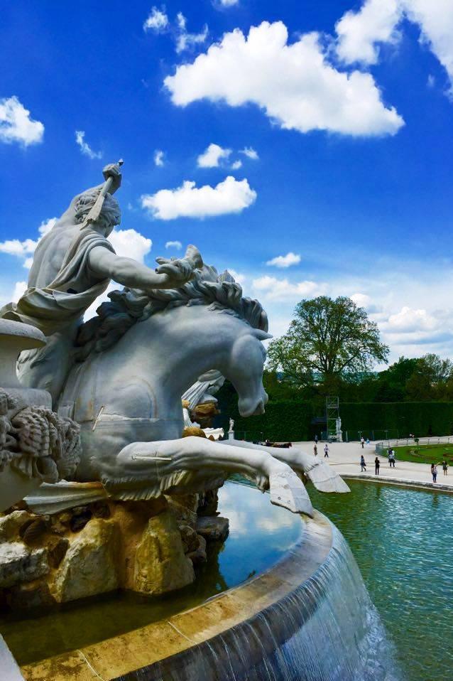 LIBER - Vieden Schonbrunn fontana 2017-05-16