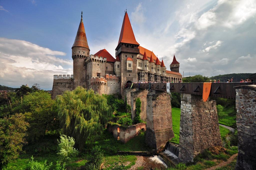 Rumunsko - Hunedoara castle - Wikipedia