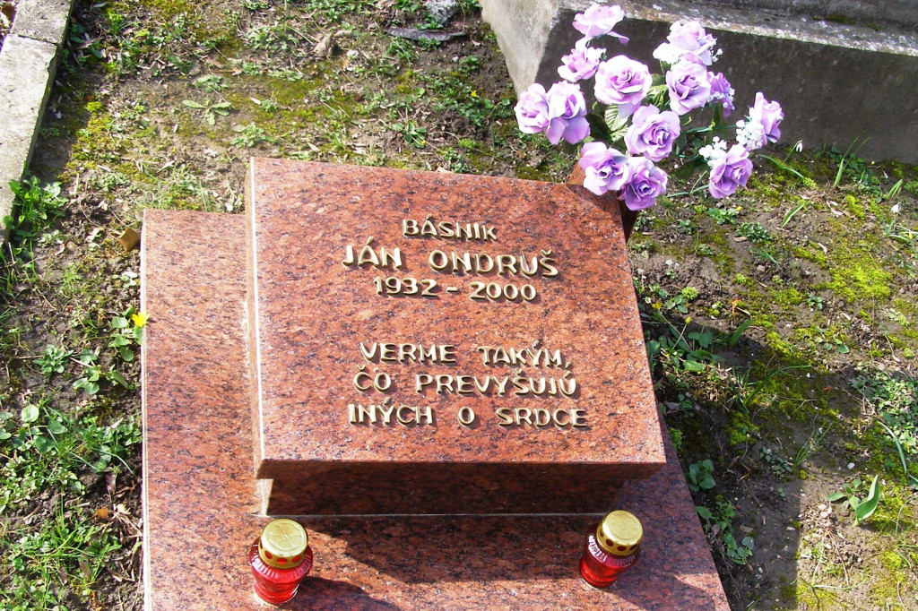 Slávičie údolie Ján_Ondruš_grave - Wikipedia