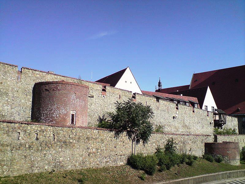 WIKIPEDIA Bratislava hradby
