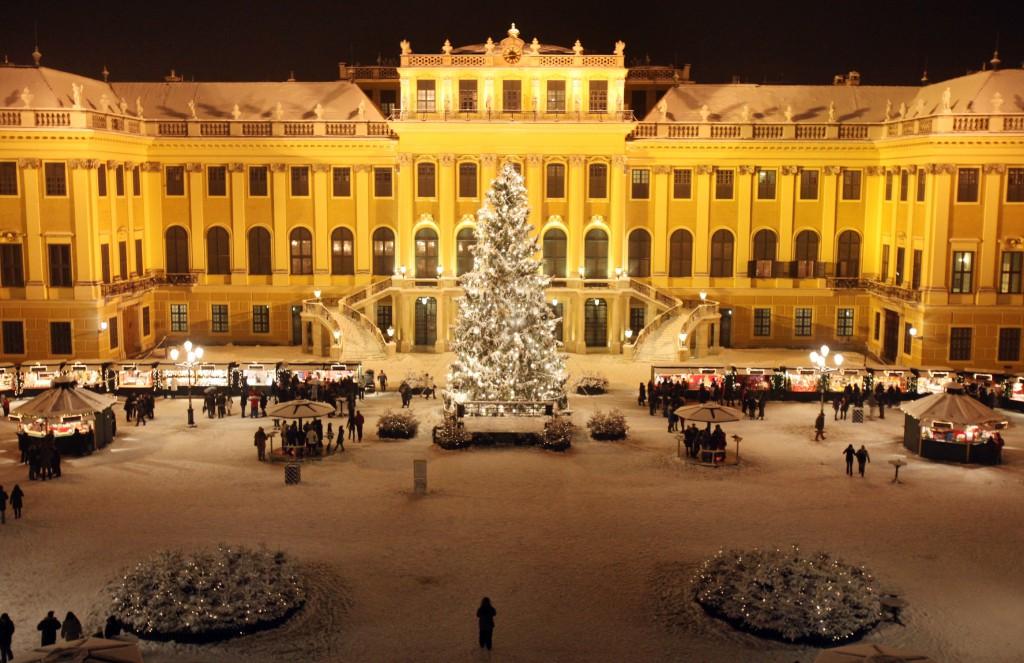 Wiki Winterlandschaft_Schönbrunn