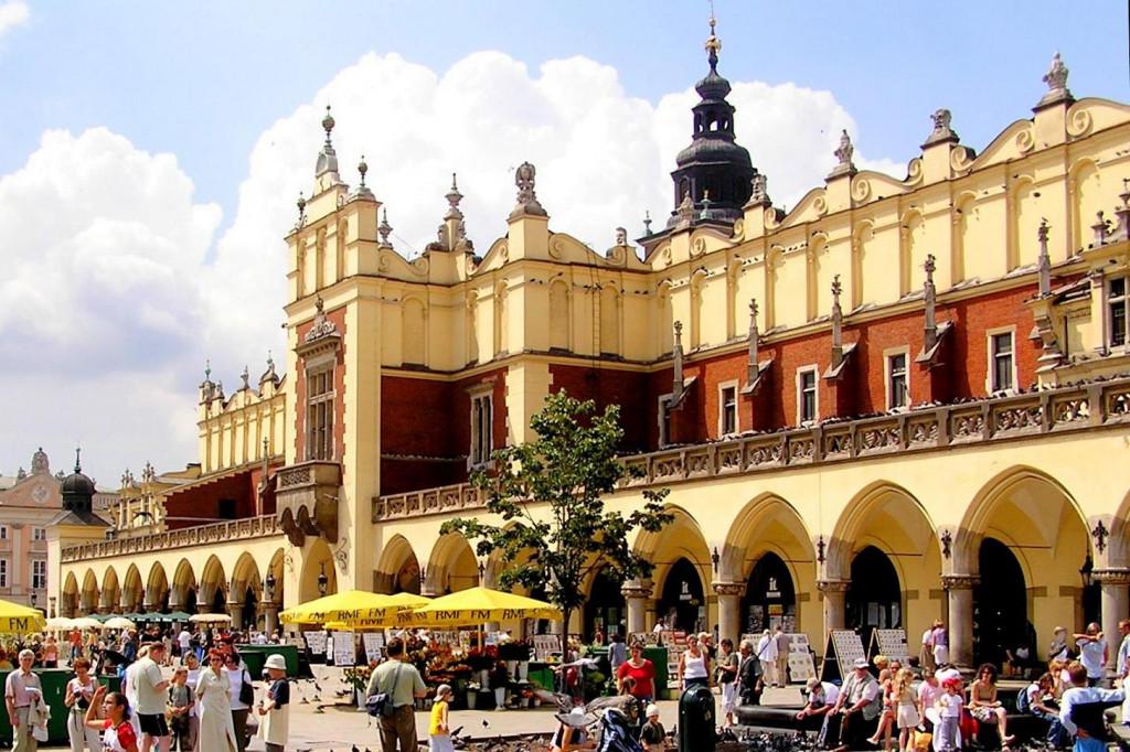 Wikimedia - Kraków - Sukiennice