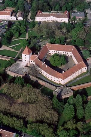 Wikipédia - Sárvár hrad - Copy