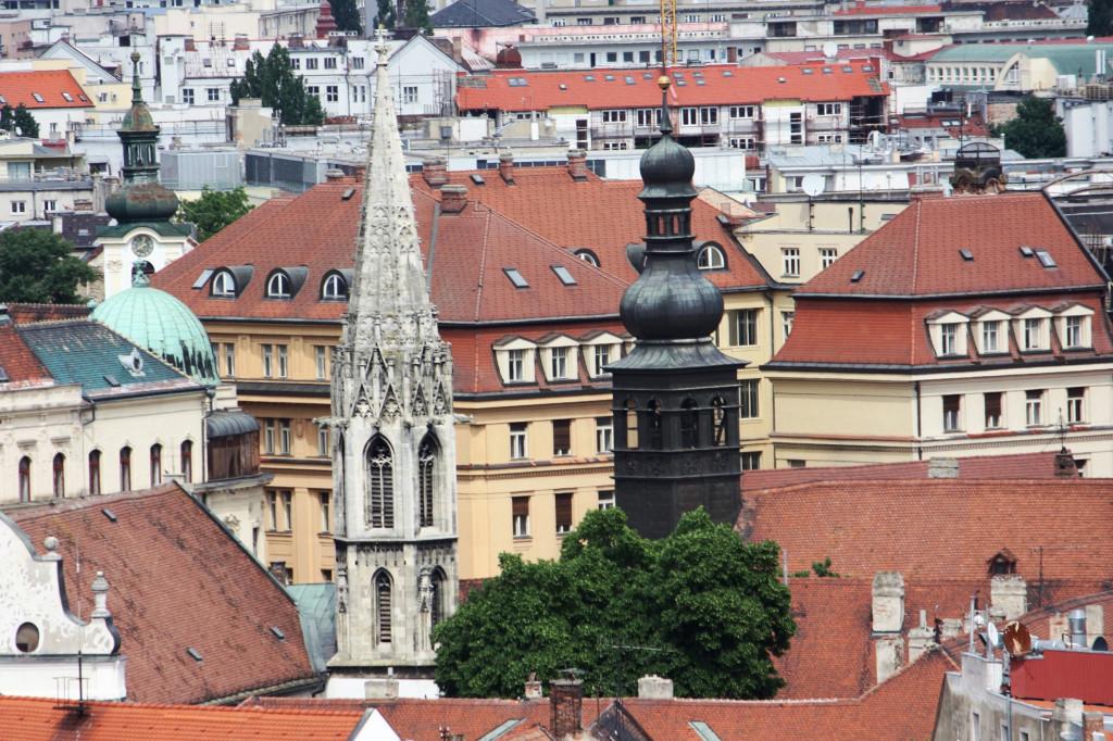 Wikipedia Bratislava - výhľad z hradného kopca