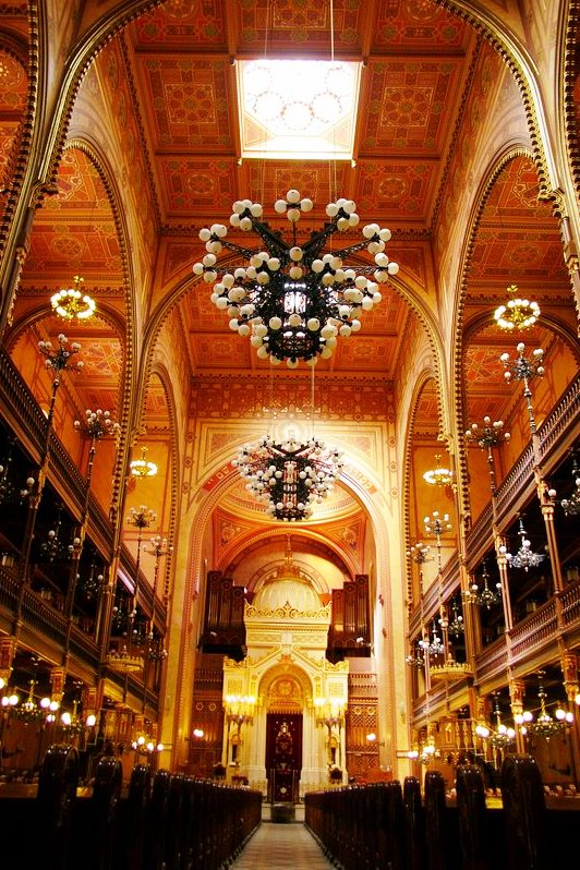 Wikipedia - Budapest Velka synagoga výrez