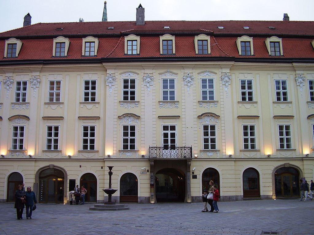 Wikipedia Erdodyho palác