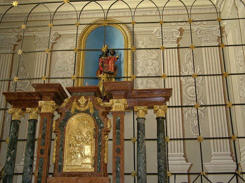 Wikipedia Frantiskansky kostol Madona