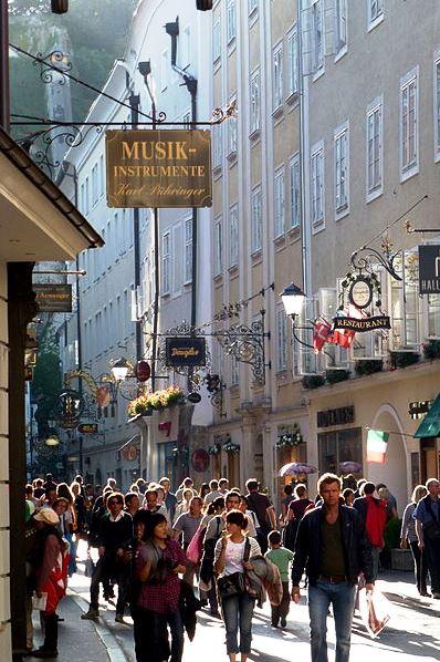 Wikipedia Getreidegasse am Nachmittag Salzburg