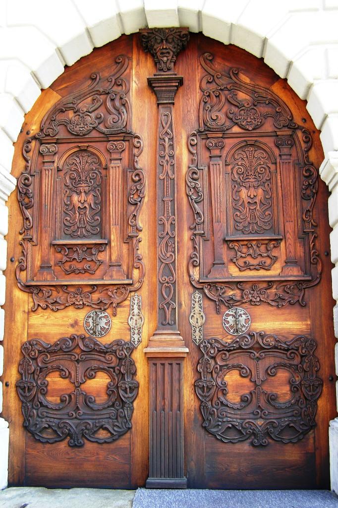 Wikipedia - Jezuitsky kostol BA