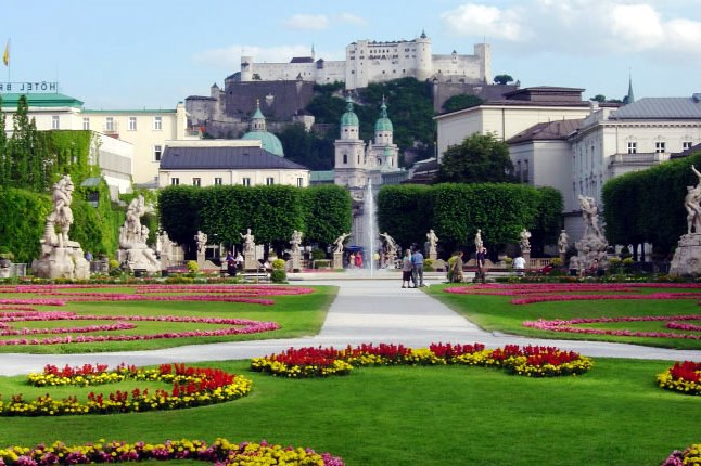 Wikipedia View of Salzburg Fortress from Mirabell Gardens