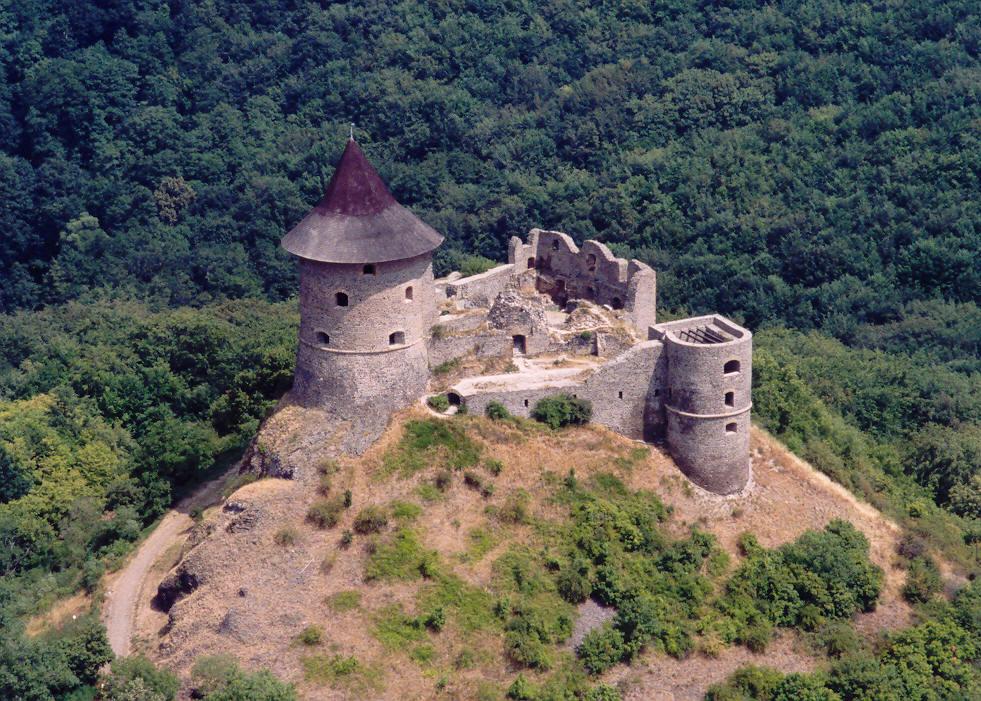 Wikipedia hrad Somoskő