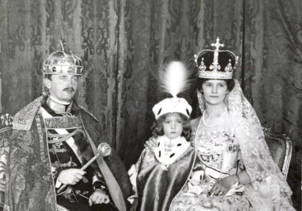 Wikipedia - korunovacia Budapest Karol+ Zita+Oto r. 1916